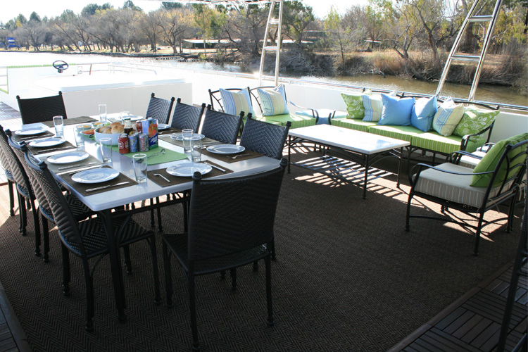 liquid-living-houseboat-top-deck-vaal-river-view