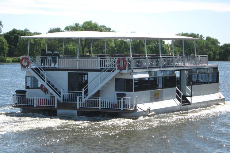 Liquid Lounge on Vaal River