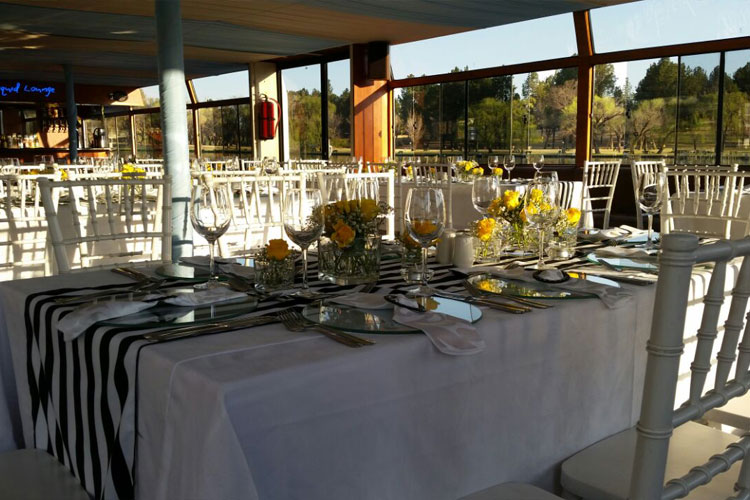 Liquid Lounge Table Setup