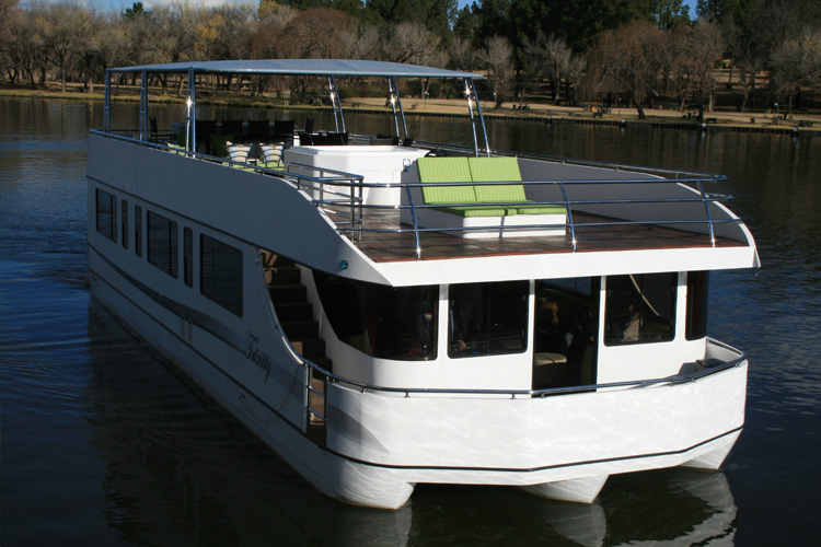 liquid-living-houseboat-cruising-the-vaal-river