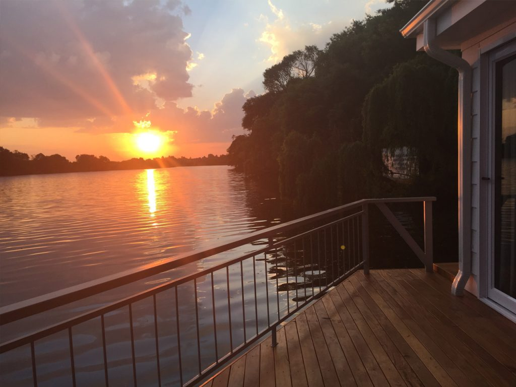sunset-on-vaal-river-prive-houseboat