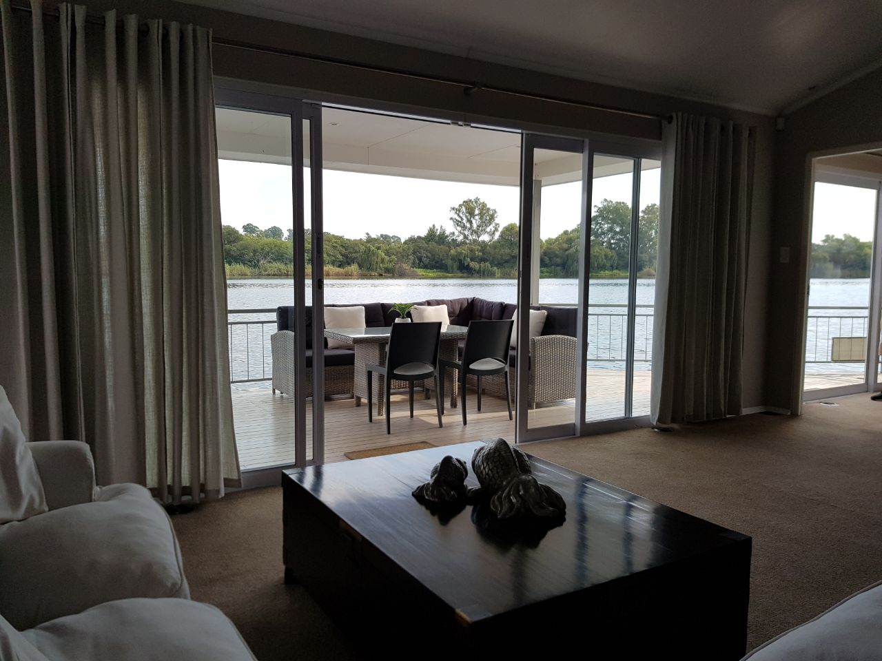 houseboat-accommodation-in-the-vaal-triangle